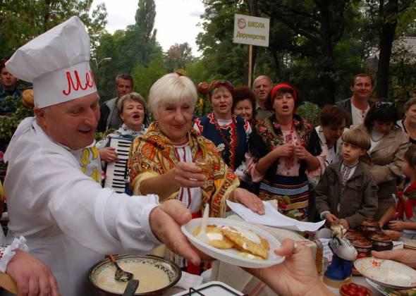 Історія: фестиваль дерунів в Коростені (Житомирщина)