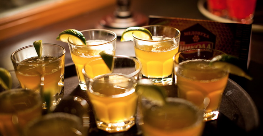 Ром: Алкомаг рассказывает самые интересные факты об алкоголе пиратов