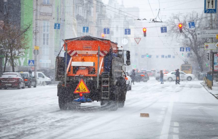 На Кіровоградщині обмежили рух транспорту через негоду (оновлено)