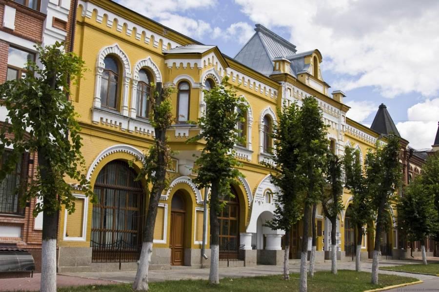Результати  опитування про перейменування Дворцової