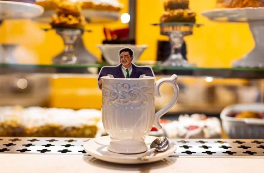 У Львові подають чай з... Володимиром Зеленським