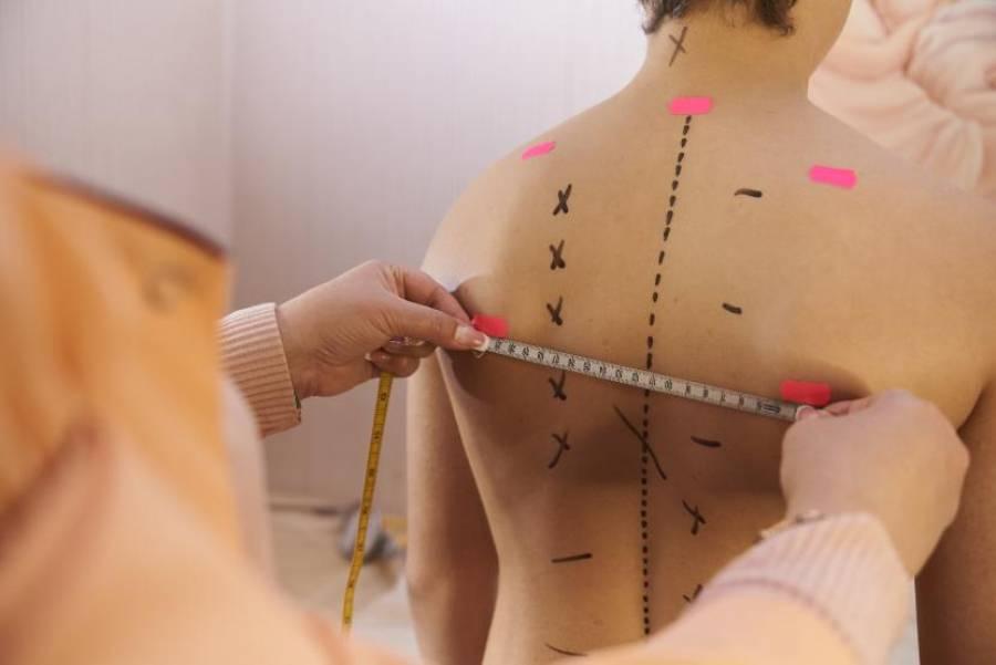 Болить спина? Шукайте порушення постави!