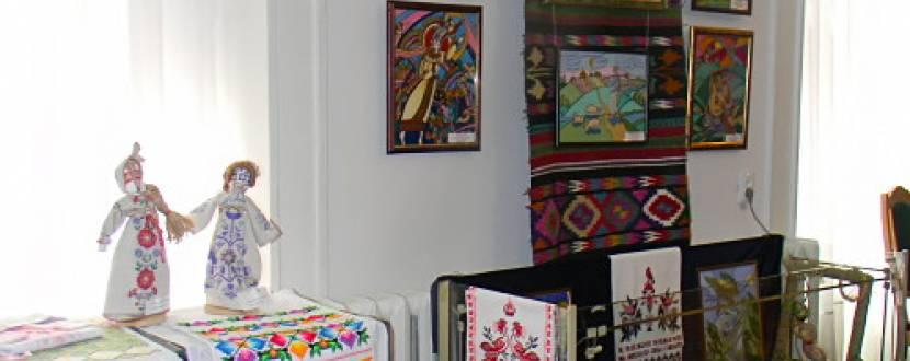 Виставка образотворчого та декоративно-прикладного мистецтва