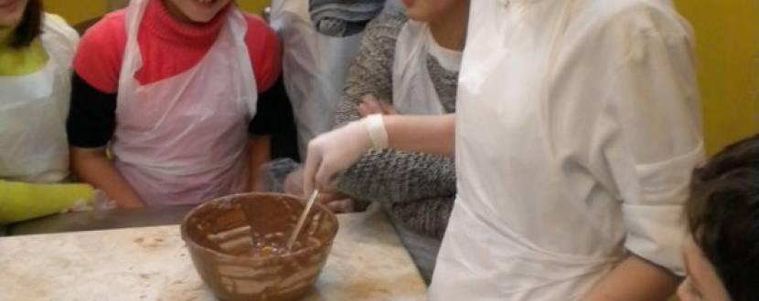 Майстер-клас із виготовлення шоколадних цукерок  в Арт-просторі «Сахарный пакет»