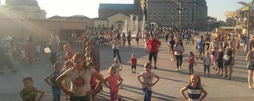 Дужий фест: фестиваль здоров`я на Поштовій площі