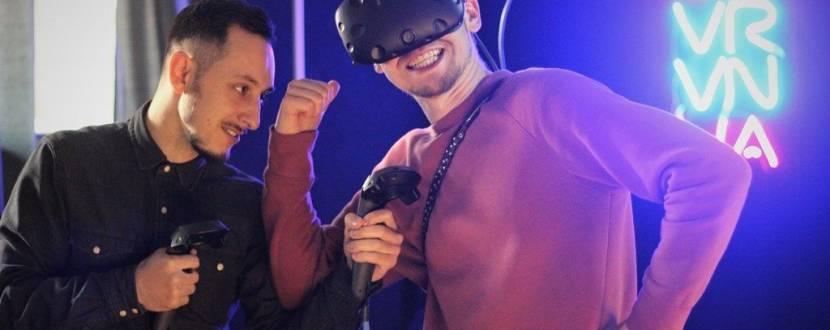 Шалені розваги у клубі віртуальної реальності VR.VN