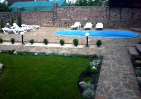 Літній дворик для сімейного відпочинку