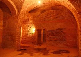 Екскурсії підземеллями та катакомбами храму Діви Марії Ангельської у Вінниці