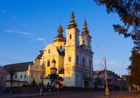 Розклад богослужінь у кафедральному соборі