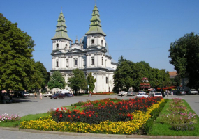 Розпорядок Богослужінь в Архикатедральному Соборі