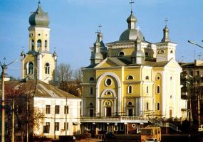 Розпорядок богослужінь  у церкві Успення Пресвятої Богородиці