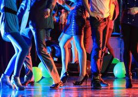 Не клубні танці