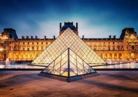 Віртуальна екскурсія Лувром