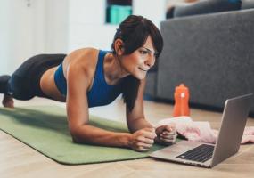 Онлайн безкоштовні фітнес-тренування від Київського центру