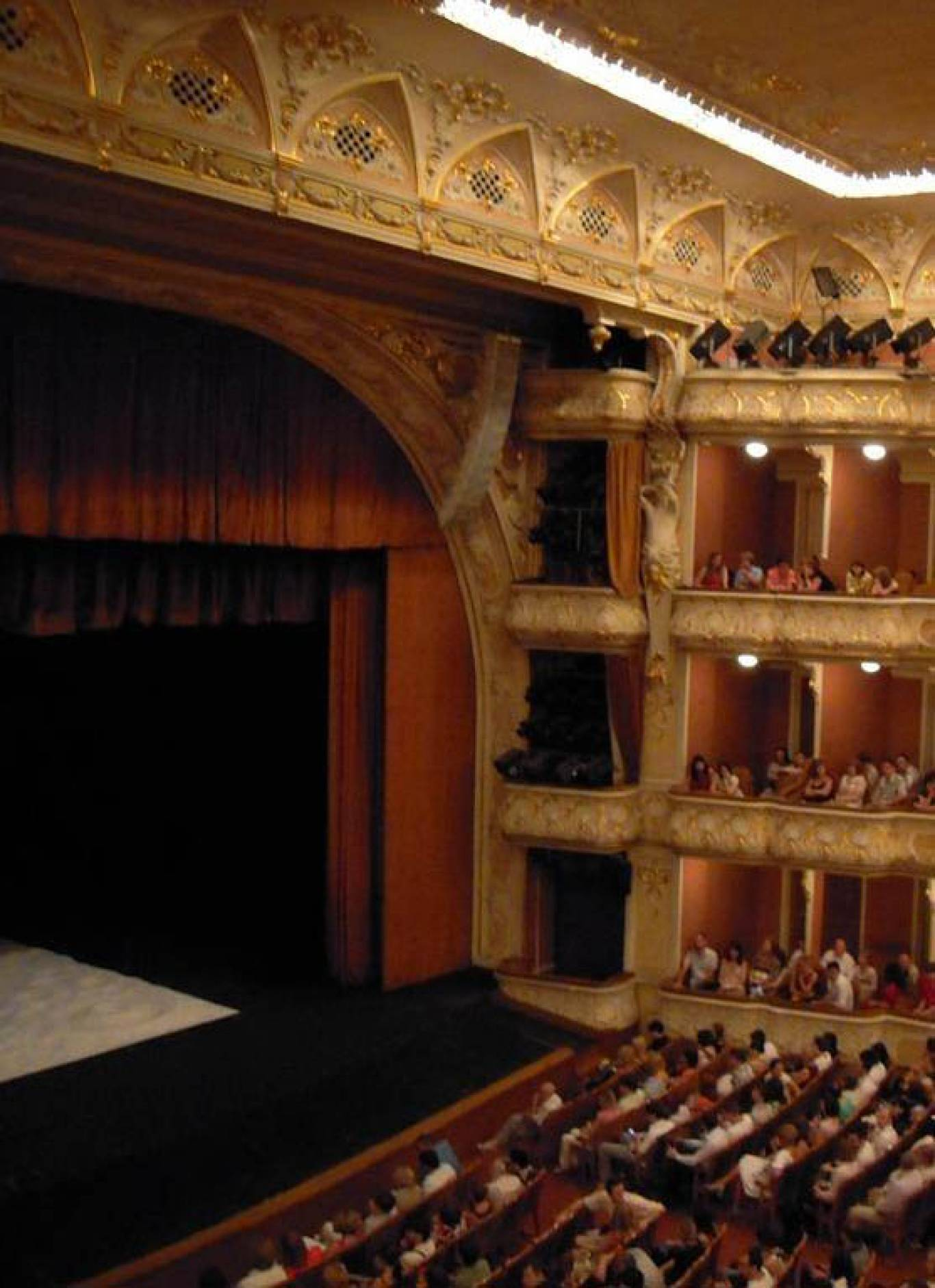 Національний академічний театр імені І.Франка запрошує до себе на святковий ювілей!