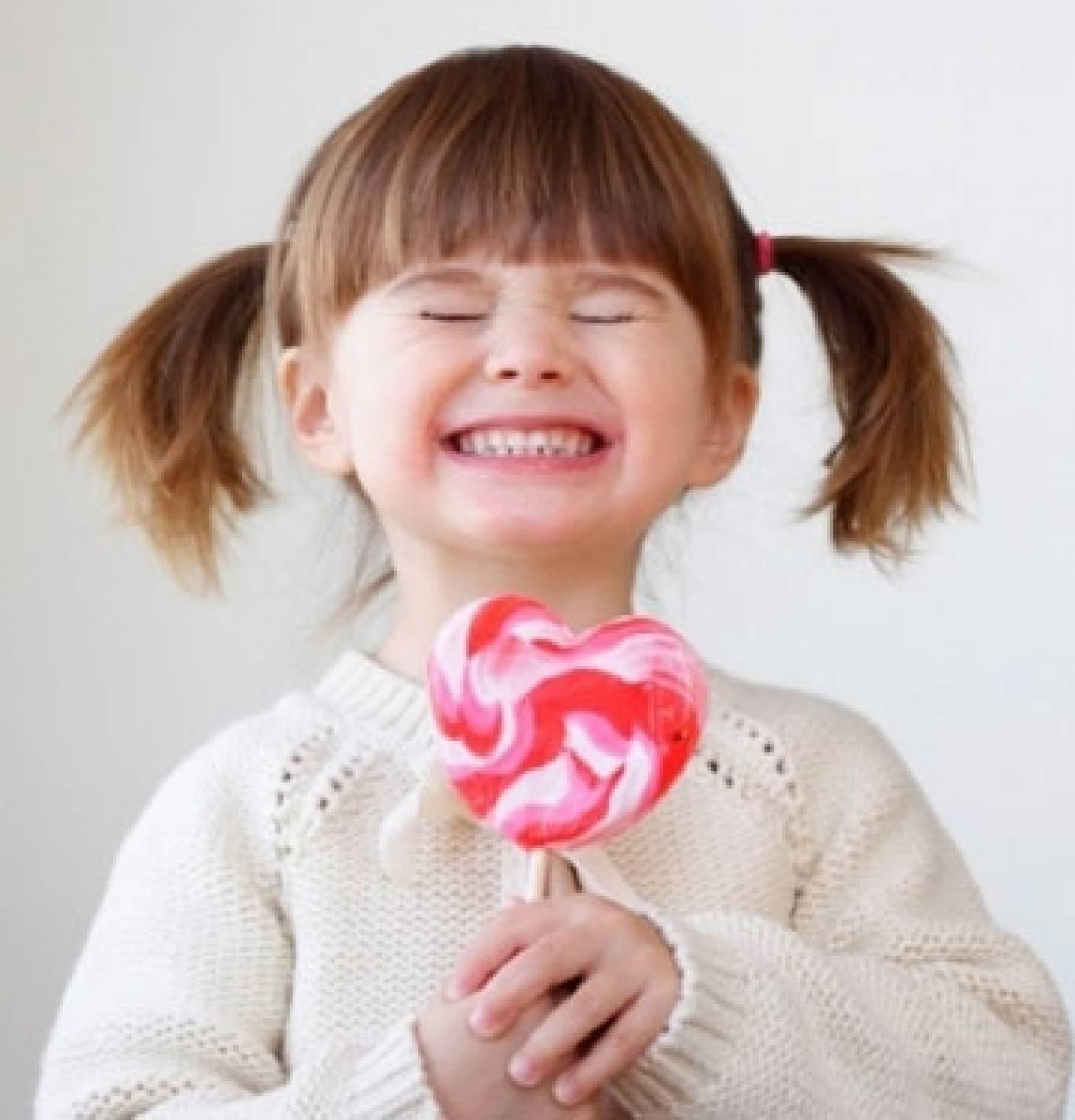 ФАБРИКА карамельок: майстер-клас для дітей з виготовлення льодяників