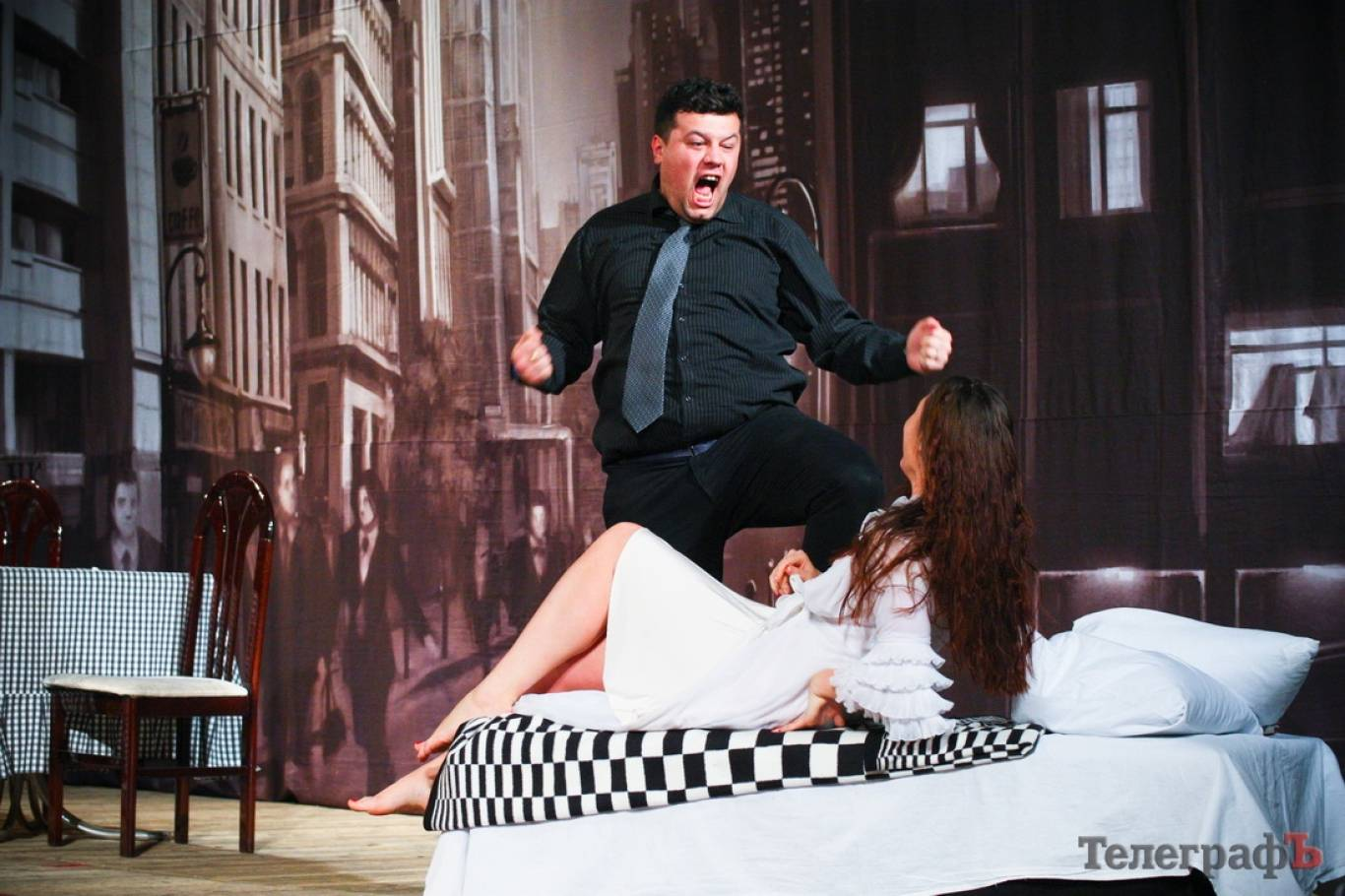 Вистава «Чи є SEX після ЗАГСу?» Київського театру «Чорний Квадрат»