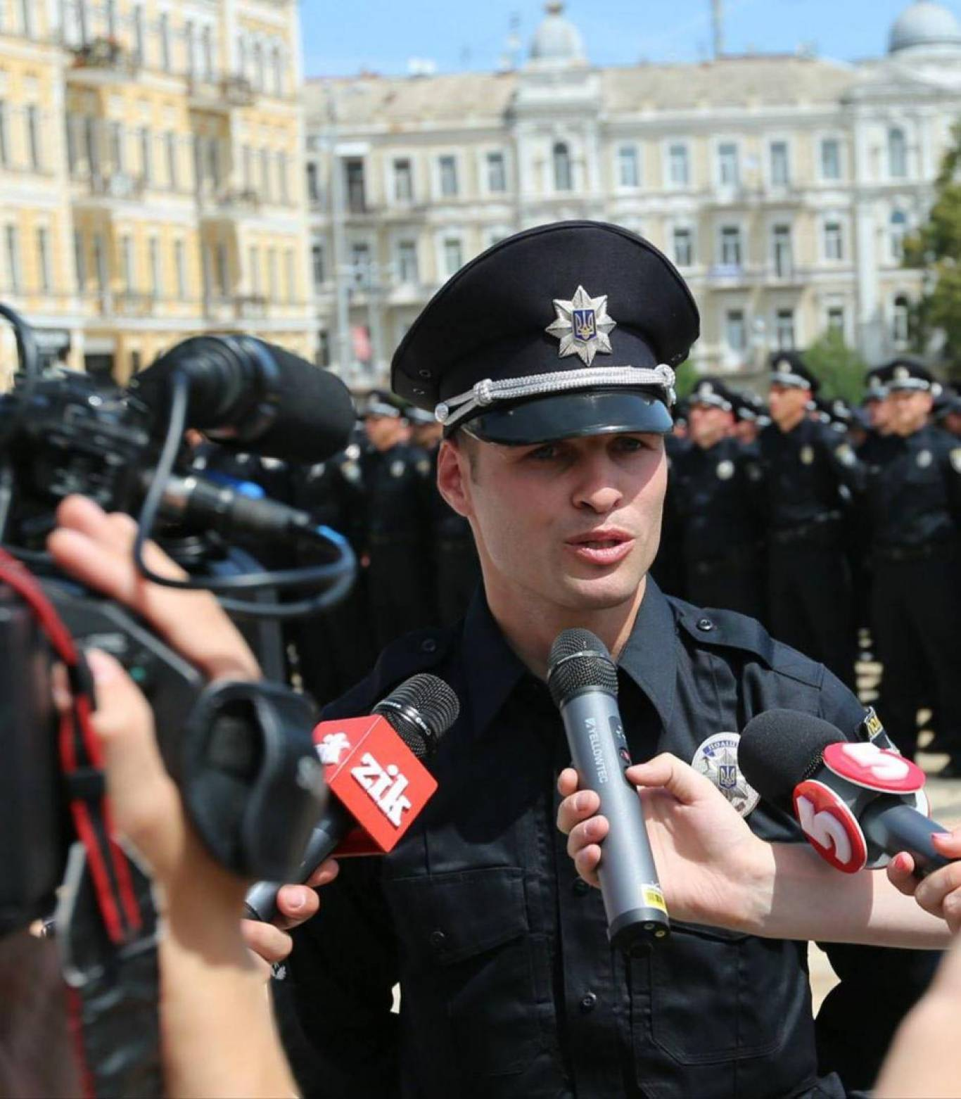 Жива бібліотeка: зустрічай київську патрульну поліцію