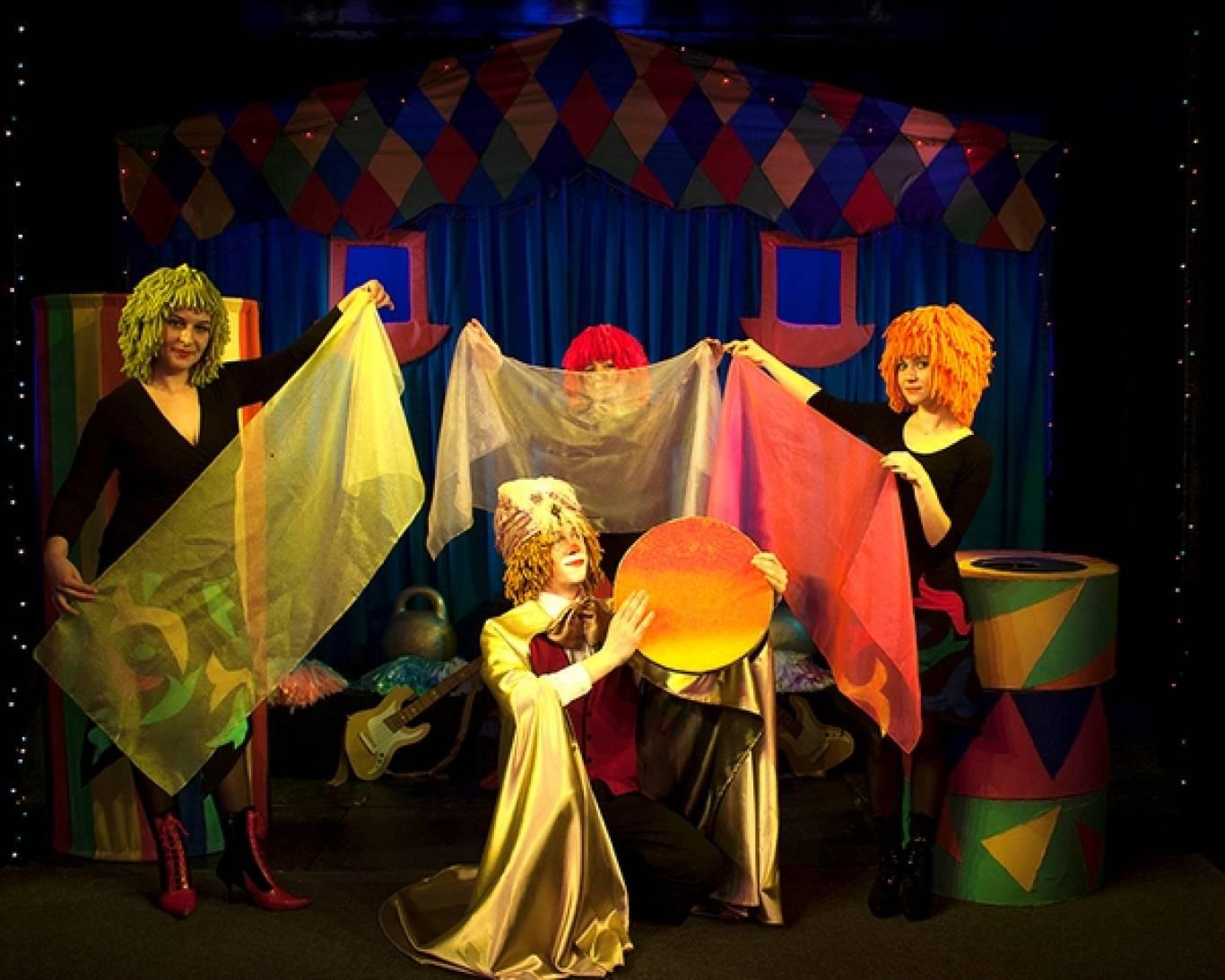 Лялькове естрадно-циркове шоу «Бука»