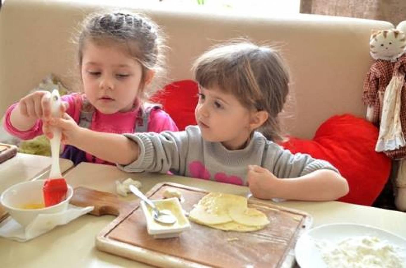 Навчання у дитячій кулінарній школі