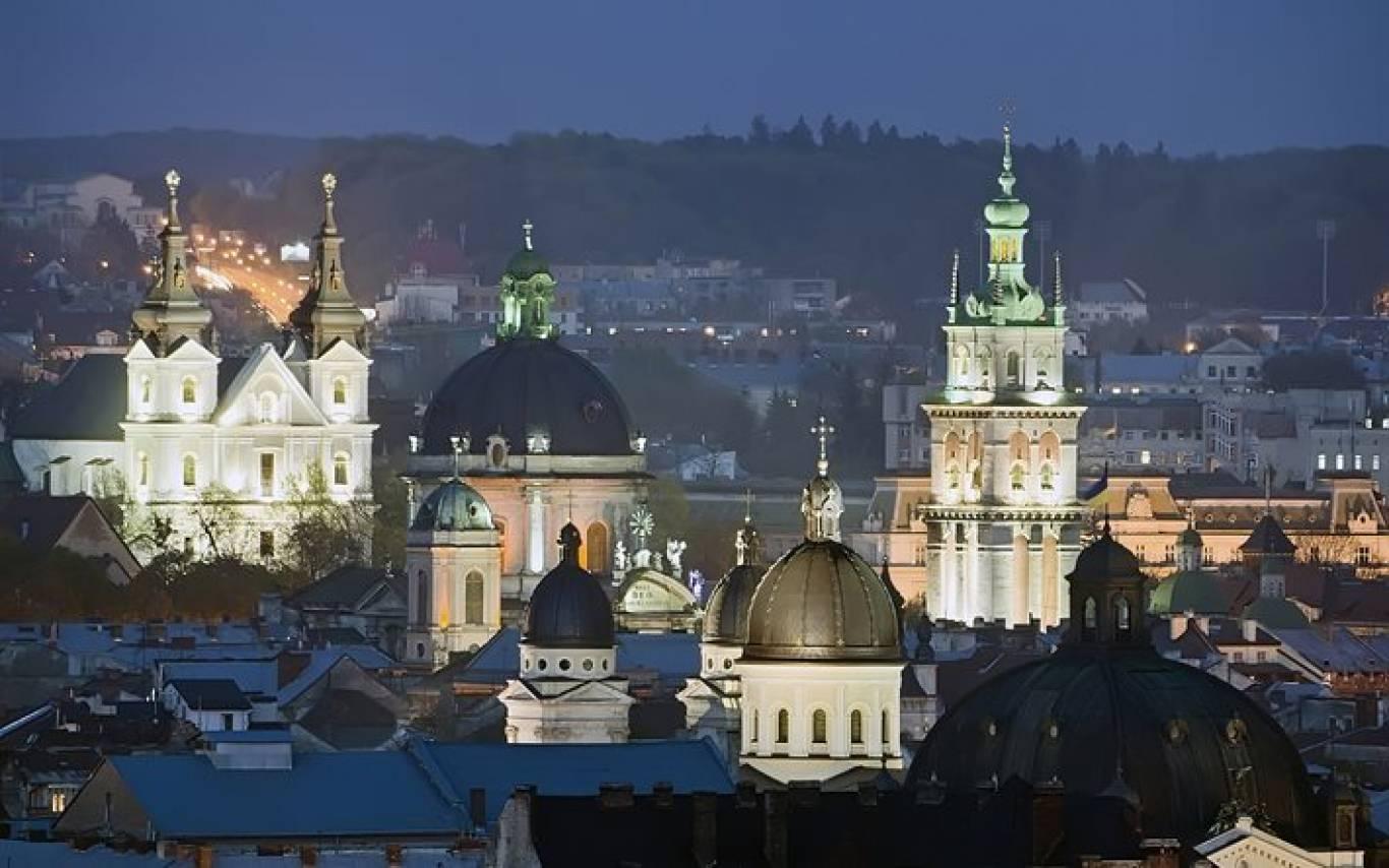 Осіння ніч у Львові