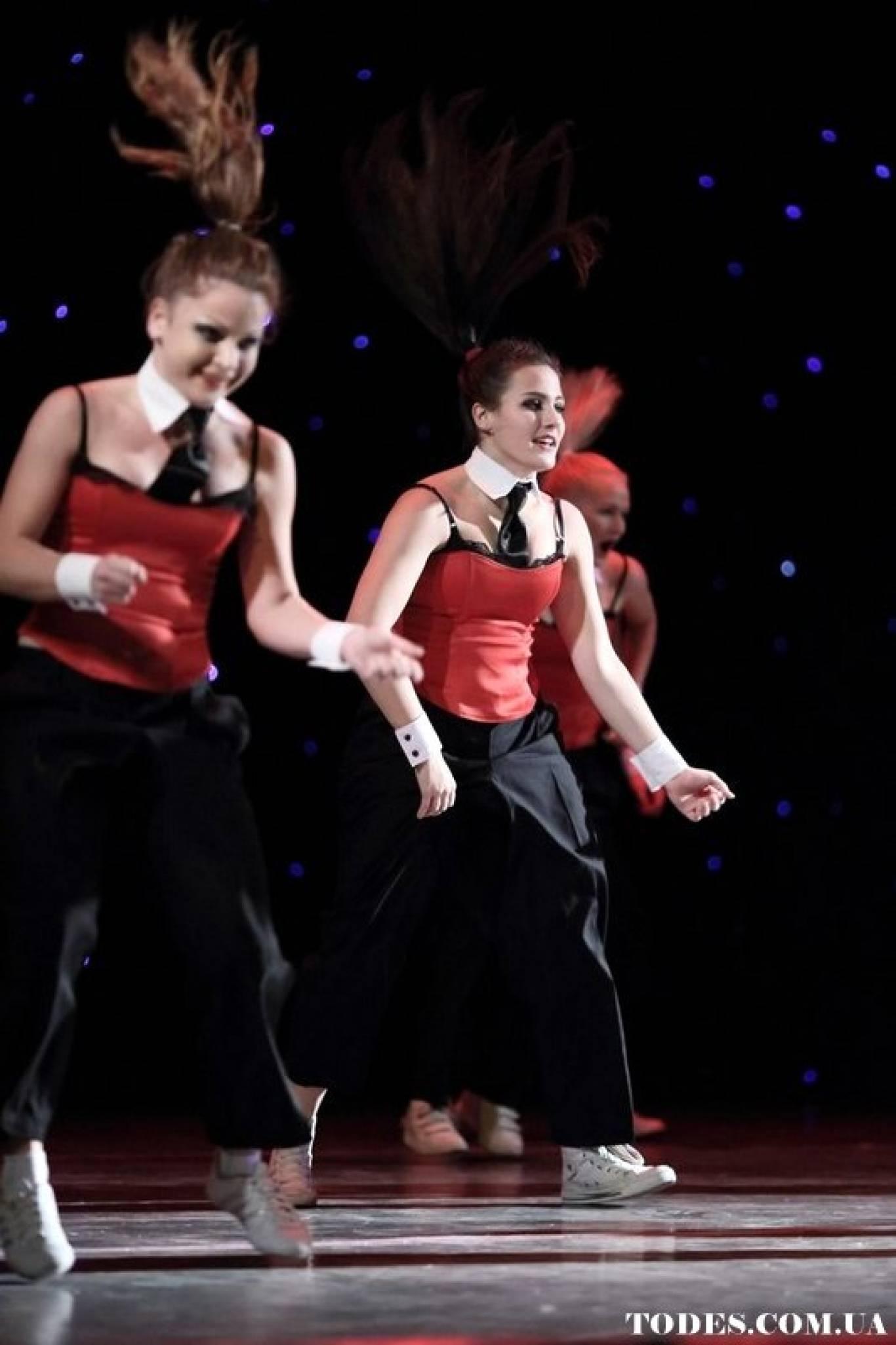 Всі стилі сучасної хореографії: навчання у київській студії танців Алли Духової TODES