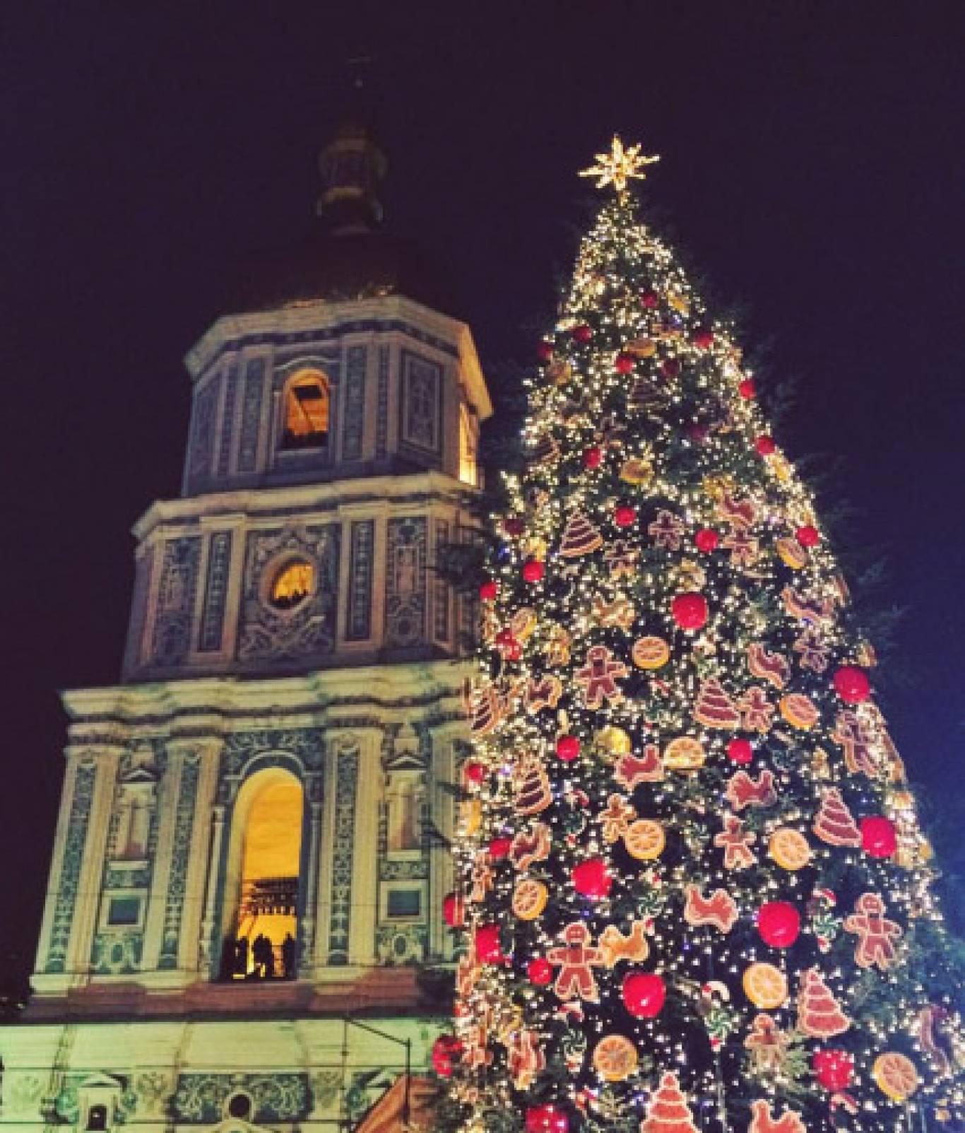 Щедрий Вечір та Старий Новий рік на Софійський площі