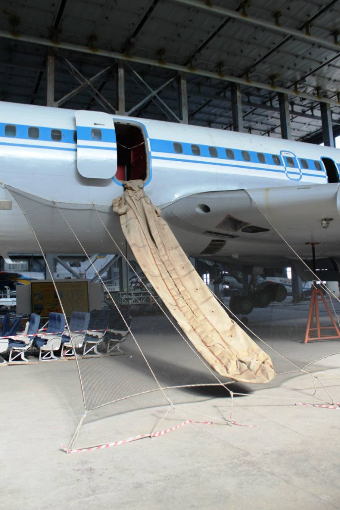 Екскурсія в ангар Національного авіаційного університету