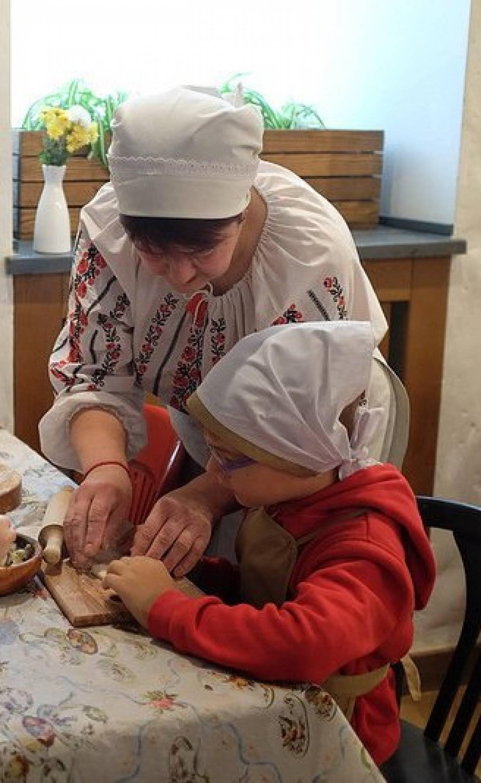 Майстер-класи з приготування вареників та пельменів