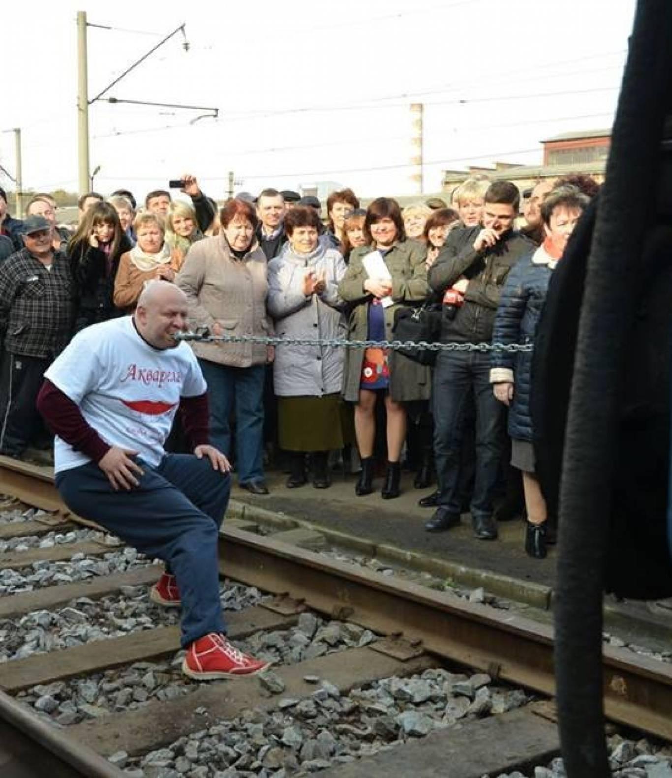 """Встановлення рекорду України """"Тяга трамваю зубами"""""""