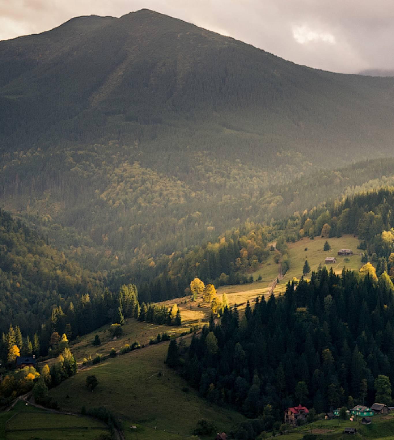 Мандрівка до серця Гуцульщини: село Дземброня