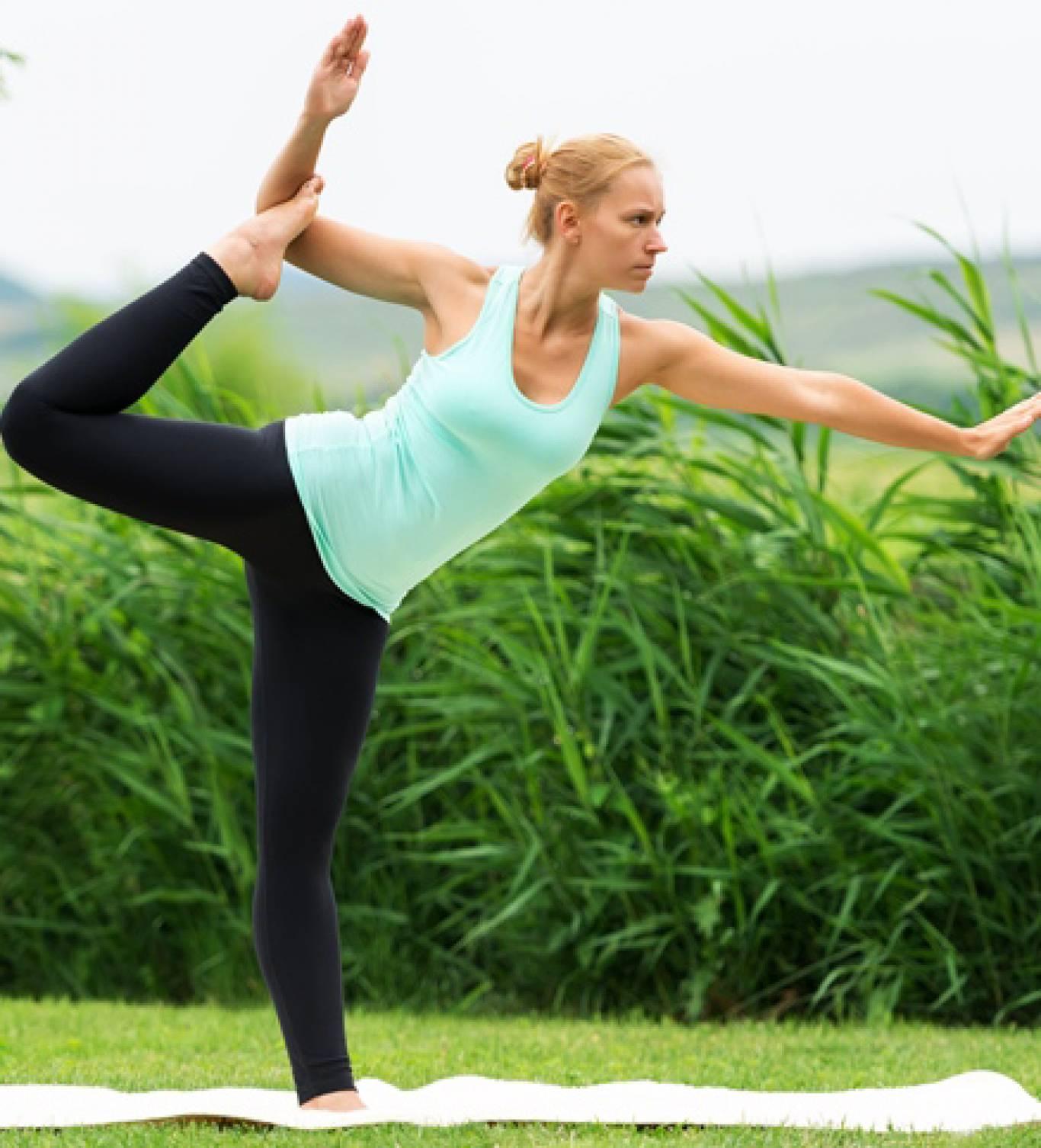 Безкоштовні майстер-класи з йоги в Маріїнському парку