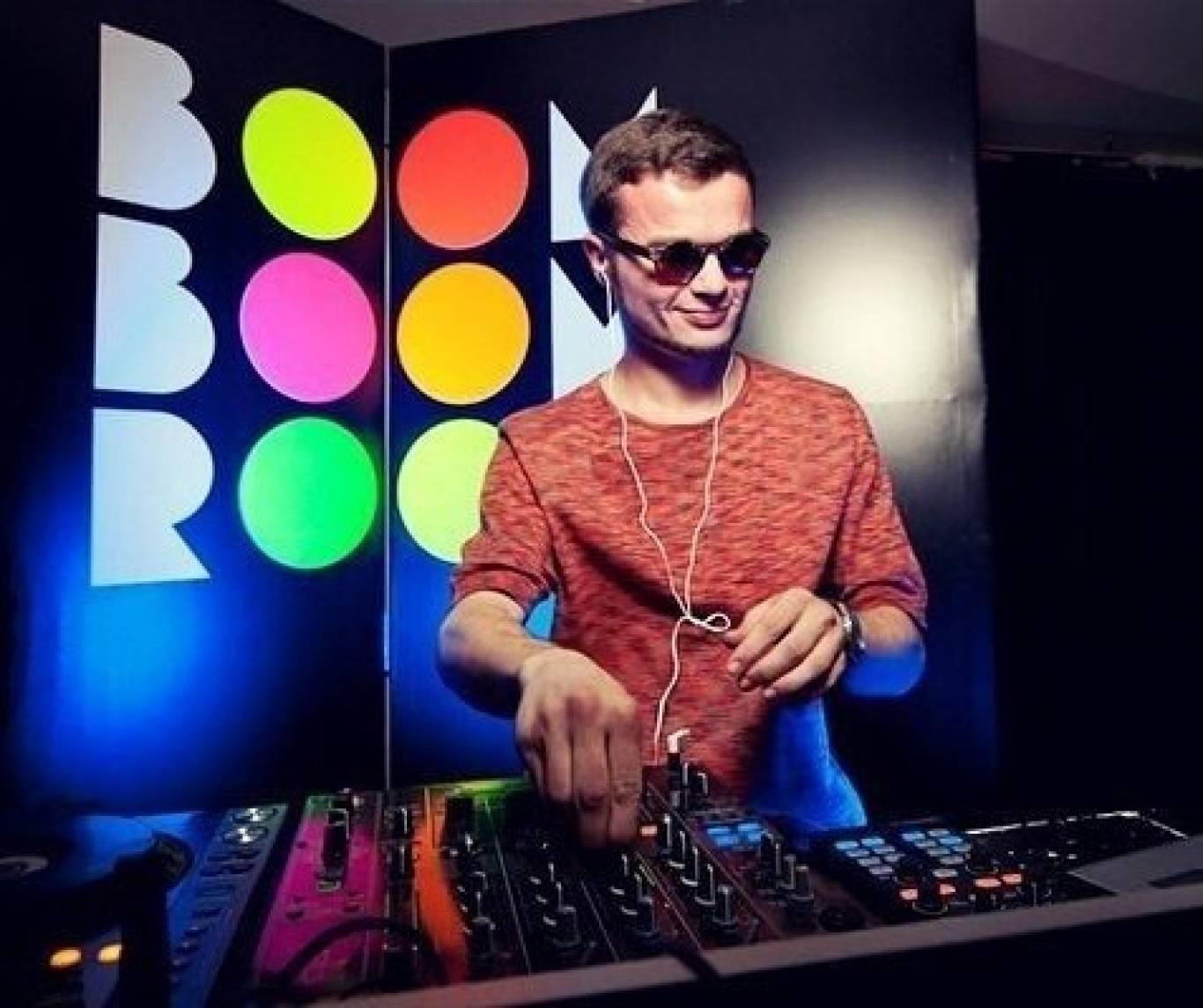 DJ EASY LEE у SkyRoom