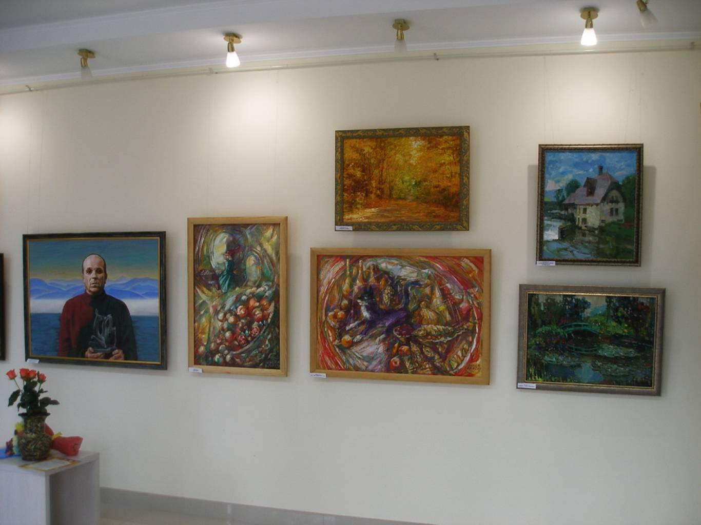 Виставка до Дня художника