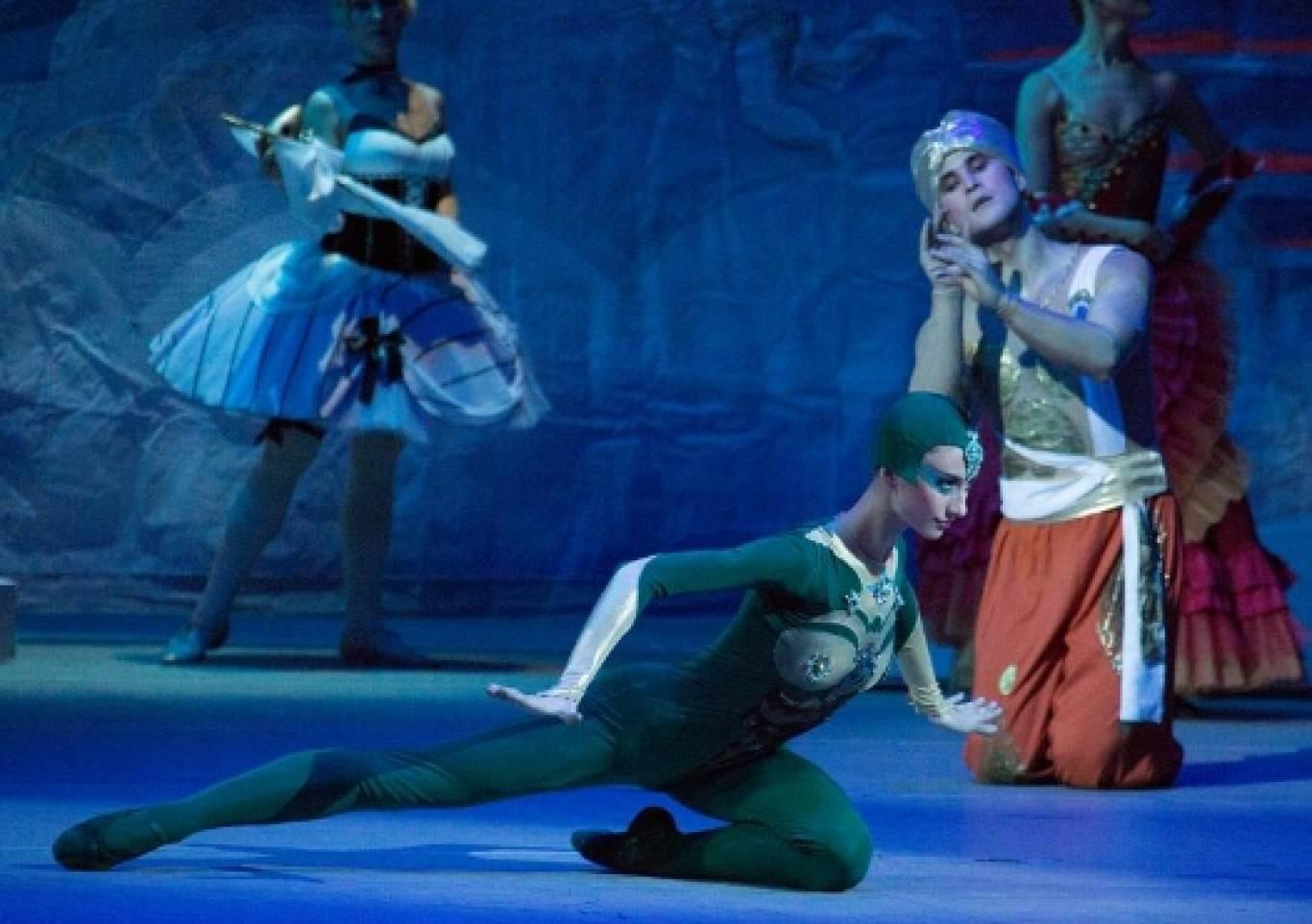 """Балет """"Лускунчик"""" від «Київ.Модерн-балет» Раду Поклітару"""