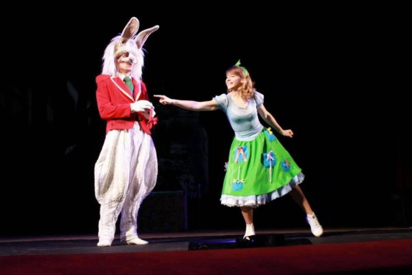 Музична казка - Аліса в країні чудес