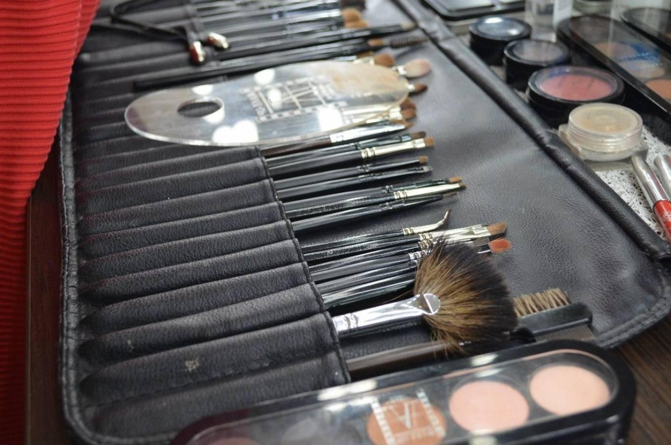 Профессиональные приборы для визажистов, Инструменты для макияжа: список самых необходимых 19 фотография