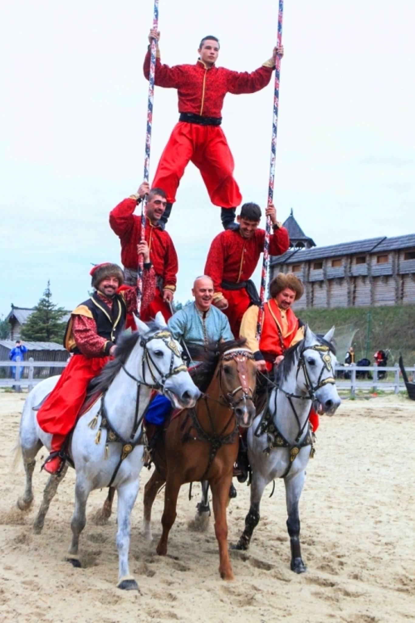 Фестиваль кінно-трюкового мистецтва «Кентаври»