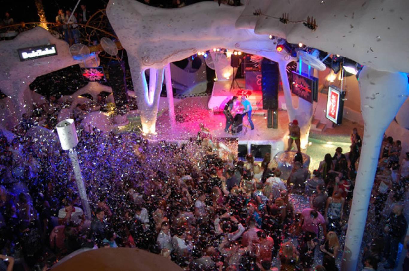 Вечеринка Monday Funday клуб Ibiza
