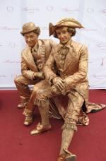 Живі скульптури у Рівному