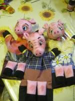 """""""Троє поросят"""" у Театрі ляльок"""