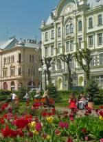 Подорож в Чернівці та Кам'янець-Подільский до 8 березня!