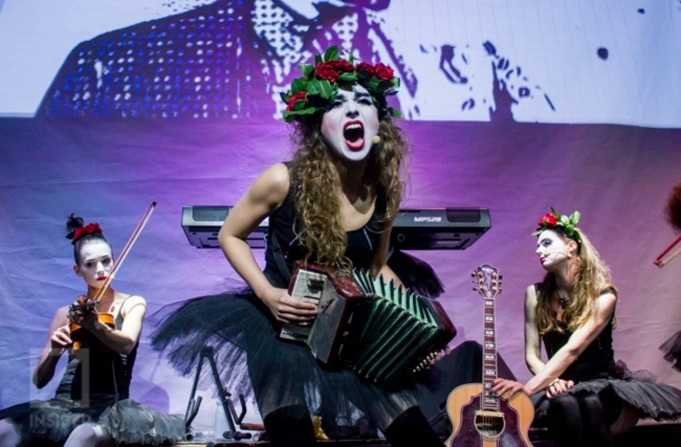 Концерт фрік-кабаре Dakh Daughters Band