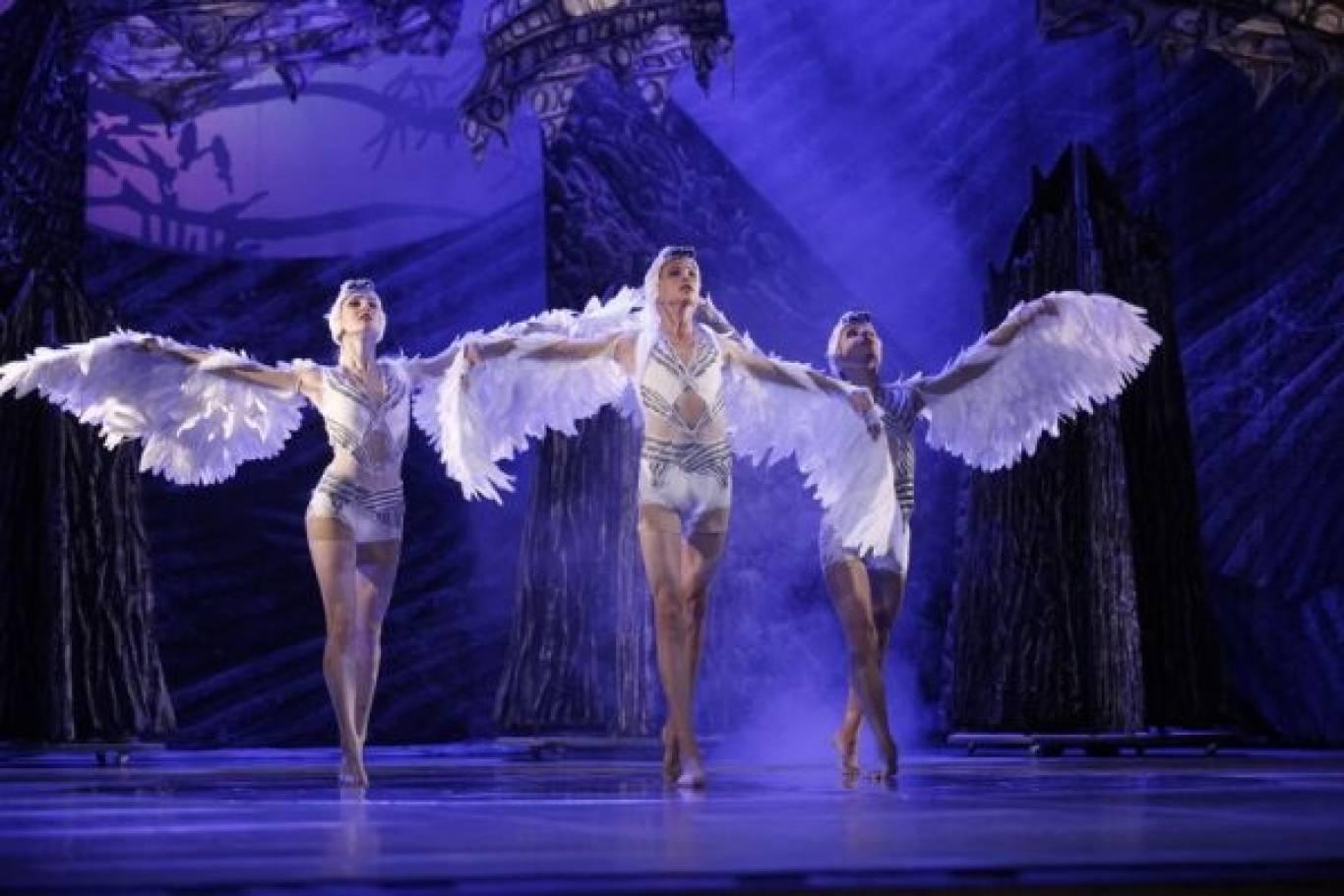 Лебедине озеро - балет від Радо Поклітару