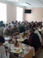 Великодній обід для бездомних